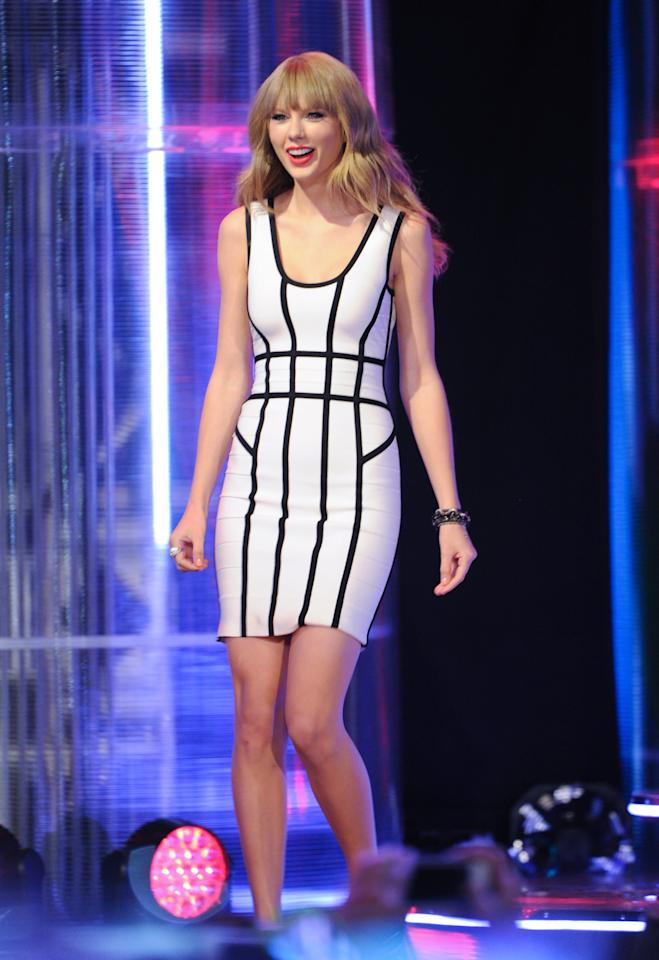 TORONTO, ON - JUNE 16:  Singer Taylor Switft during the 2013 MuchMusic Video Awards at MuchMusic HQ on June 16, 2013 in Toronto, Canada.  (Photo by George Pimentel/Getty Images)