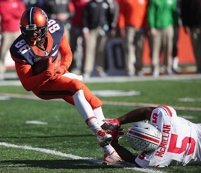 Cain was Illinois' leading receiver as a freshman in 2015. (Getty)