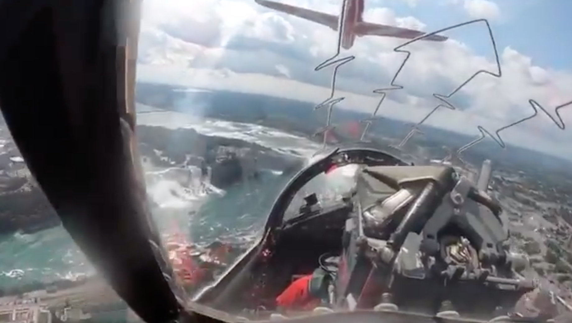 Breathtaking views over Niagara Falls - video by Circus 6, Cpl Paul Scottney, from the Red Arrows.