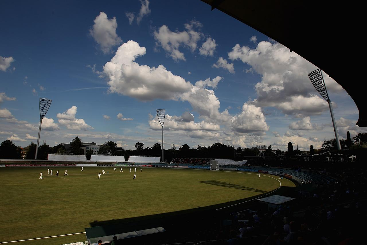 CANBERRA, AUSTRALIA - MARCH 21:  A general view of play during day one of the Sheffield Shield match between New South Wales Blues and the Western Australia Warriors at Manuka Oval on March 21, 2014 in Canberra, Australia.  (Photo by Robert Prezioso/Getty Images)