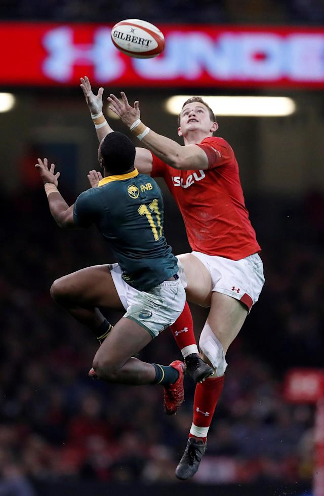 Rugby Union - Autumn Internationals - Wales vs South Africa - Principality Stadium, Cardiff, Britain - December 2, 2017 South Africa's Warrick Gelant in action with Wales' Hallam Amos Action Images via Reuters/Andrew Boyers TPX IMAGES OF THE DAY