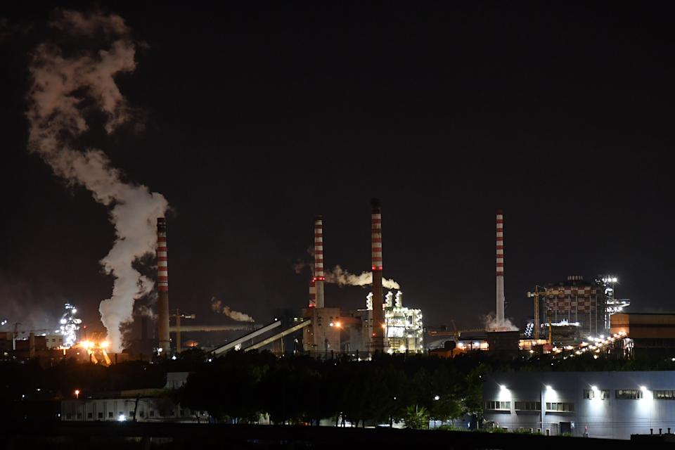 A general view taken late on November 7, 2019 shows the steel manufacturing giant Arcelor Mittal Italia (ex ILVA ) plant in Taranto, southern Italy. - The world steel giant ArcelorMittal announced on November 4, 2019 that it was cancelling the takeover of the Italian company Ilva, after the withdrawal of criminal environmental protection for the managers of the Taranto site, which is currently being cleaned up. (Photo by Andreas SOLARO / AFP) (Photo by ANDREAS SOLARO/AFP via Getty Images) (Photo: ANDREAS SOLARO via Getty Images)