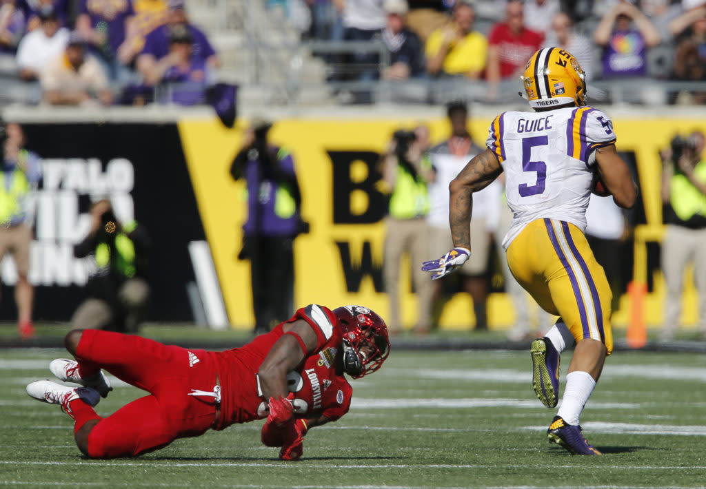 "<img width=""640"" height=""444"" alt=""Dec 31, 2016; Orlando, FL, USA; LSU Tigers running back Derrius Guice (5) runs past Louisville Cardinals cornerback Ronald Walker (20) on his way for a touchdown during the second half of an NCAA football game in the Buffalo Wild Wings Citrus Bowl at Camping World Stadium. The Tigers won 29-9. Mandatory Credit: Reinhold Matay-USA TODAY Sports""/><p>Derrius Guice is the next great NFL running back that the Colts desperately need.</p> <p>The post <a rel=""nofollow"" rel=""nofollow"" href=""http://cover32.com/2017/06/28/2018-colts-prospect-spotlight-derrius-guice/"">2018 Colts Prospect Spotlight: Derrius Guice</a> appeared first on <a rel=""nofollow"" rel=""nofollow"" href=""http://cover32.com"">Cover32</a>.</p>"
