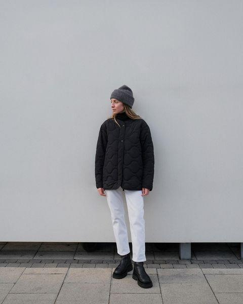 """<p><a href=""""https://www.elle.com/uk/fashion/what-to-wear/a34725780/quilted-coats/"""" rel=""""nofollow noopener"""" target=""""_blank"""" data-ylk=""""slk:Quilted coats"""" class=""""link rapid-noclick-resp"""">Quilted coats</a> are everywhere at the moment, and for good reason - they look so cute, while still being very practical. They work best over denim jeans, but also adorable over a mini dress. </p><p><a class=""""link rapid-noclick-resp"""" href=""""https://go.redirectingat.com?id=127X1599956&url=https%3A%2F%2Fwww.stories.com%2Fen_gbp%2Fclothing%2Fjackets-coats%2Fjackets%2Fproduct.oversized-quilted-jacket-black.0877992001.html&sref=https%3A%2F%2Fwww.elle.com%2Fuk%2Ffashion%2Fg29844296%2Fcasual-clothes%2F"""" rel=""""nofollow noopener"""" target=""""_blank"""" data-ylk=""""slk:SHOP NOW"""">SHOP NOW</a></p><p><a href=""""https://www.instagram.com/p/CJHHLKJBdm_/"""" rel=""""nofollow noopener"""" target=""""_blank"""" data-ylk=""""slk:See the original post on Instagram"""" class=""""link rapid-noclick-resp"""">See the original post on Instagram</a></p>"""
