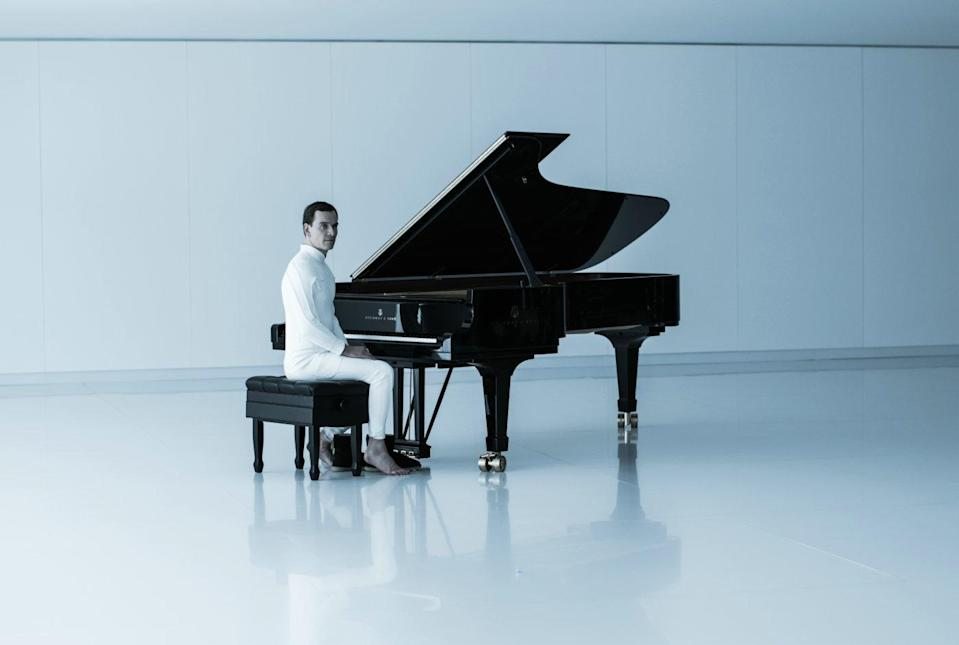 Michael Fassbender's David is rather adept at piano (20th Century Fox)