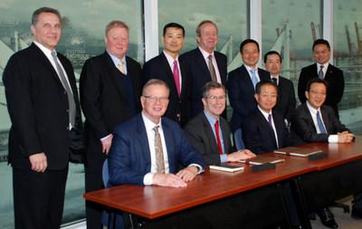 Mitsui and Pinnacle Contract Signing: (from left) Fumiaki Miyamoto, President & CEO of Mitsui & Co, Canada, John Horgan, Premier of B.C., Robert McCurdy, CEO of Pinnacle Renewable Energy (CNW Group/Pinnacle Renewable Energy Inc.)