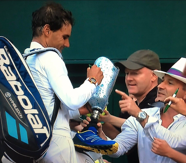 "<a class=""link rapid-noclick-resp"" href=""/olympics/rio-2016/a/1195086/"" data-ylk=""slk:Rafael Nadal"">Rafael Nadal</a> said this prosthetic leg is ""probably not"" the strangest thing he's ever signed. (Darren Rovell/Twitter)"