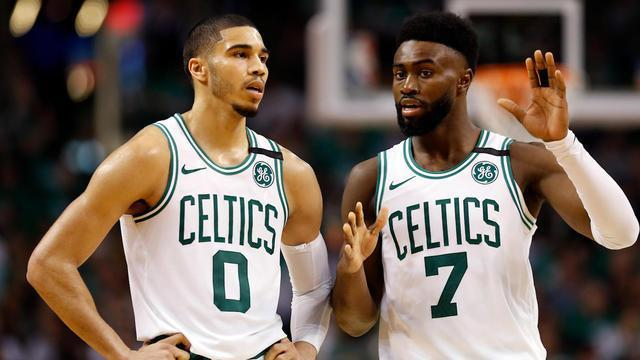 On CBS Sports HQ, NBA writer Reid Forgrave joins Chris Hassel to discuss why the Celtics are still the favorites in the East after not going after Kawhi Leonard.