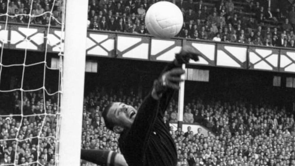Lev Yashin | Central Press/Getty Images