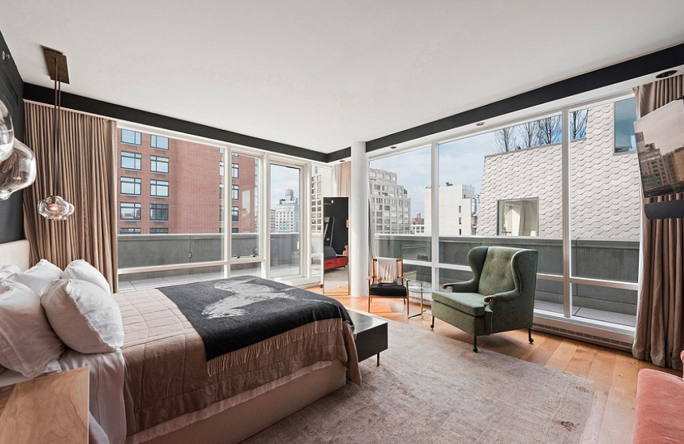 <p>Justin Timberlake and Jessica Biel have just put their OTT New York City penthouse on the market for $10.2 million (USD$8 million.)</p>