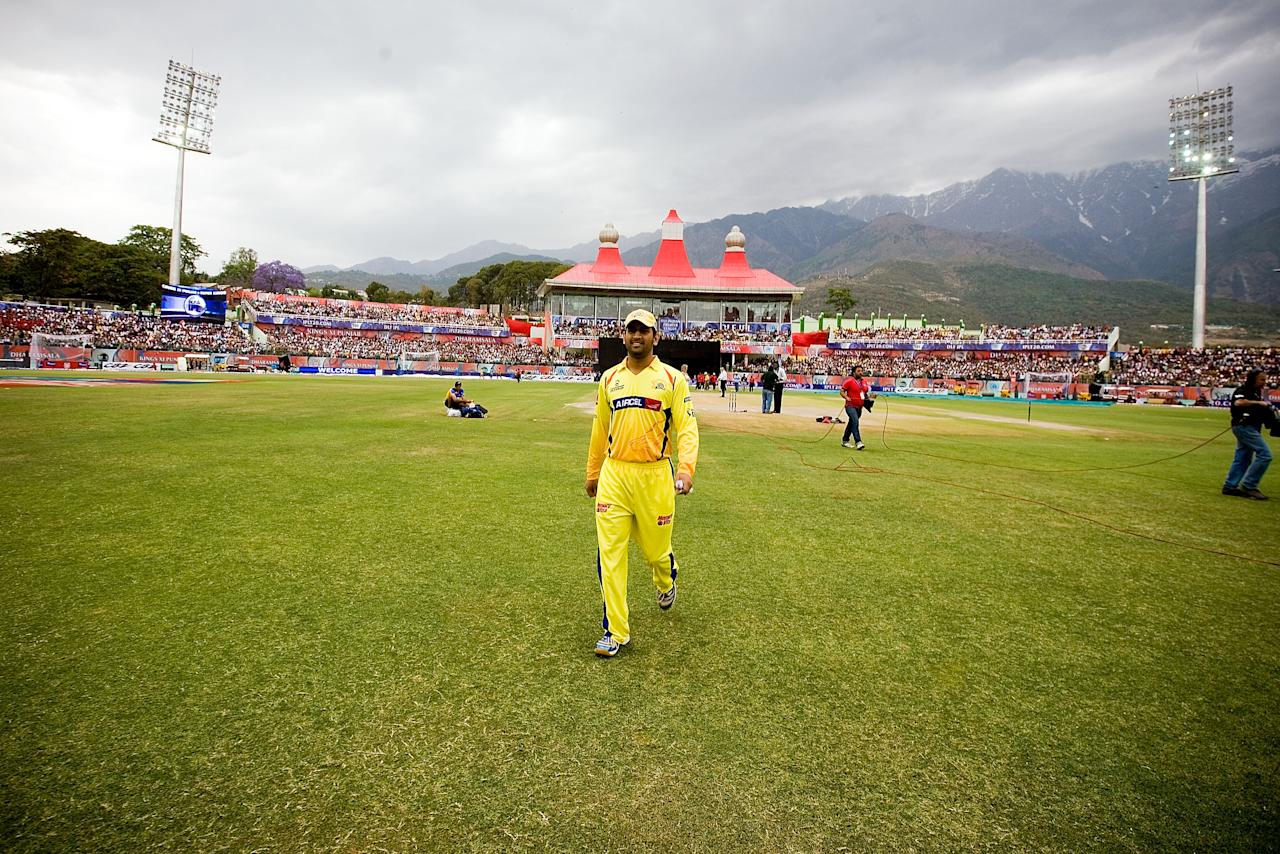 DHARAMSALA, INDIA - APRIL 18:  Mahendra Singh Dhoni walks before the 2010 DLF Indian Premier League T20 group stage match between Kings XI Punjab and Chennai Super Kings played at Himachal Pradesh Cricket Association Stadium on April 18, 2010 in Dharamsala, India.  (Photo by Ritam Banerjee-IPL 2010/IPL via Getty Images)