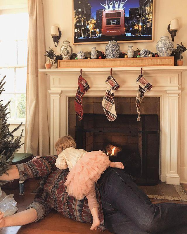 """<p>Is Santa here yet? Helen helped Dad set up while Erin reflected on just how much she loves her little family in <a href=""""https://www.instagram.com/p/B5b2zHPJ0LP/"""" rel=""""nofollow noopener"""" target=""""_blank"""" data-ylk=""""slk:a sentimental pre-holiday post."""" class=""""link rapid-noclick-resp"""">a sentimental pre-holiday post. </a></p>"""