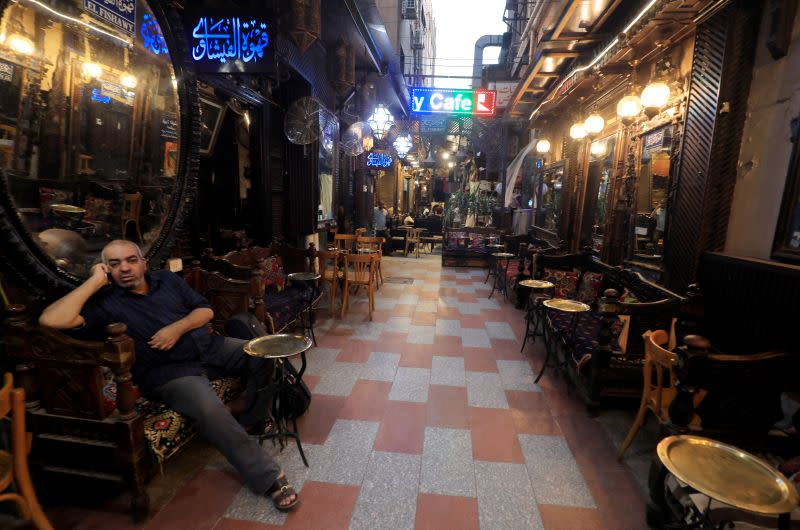 Cairo's cafes that never sleep forced to close early