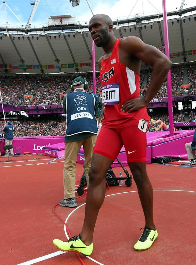 Lashawn Merritt of the United States pulls out with an hamstring injury in the Men's 400m Round 1 Heats on Day 8 of the London 2012 Olympic Games at Olympic Stadium on August 4, 2012 in London, England. (Photo by Alexander Hassenstein/Getty Images)