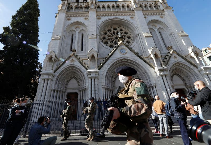 Nice mourns on day after deadly knife attack