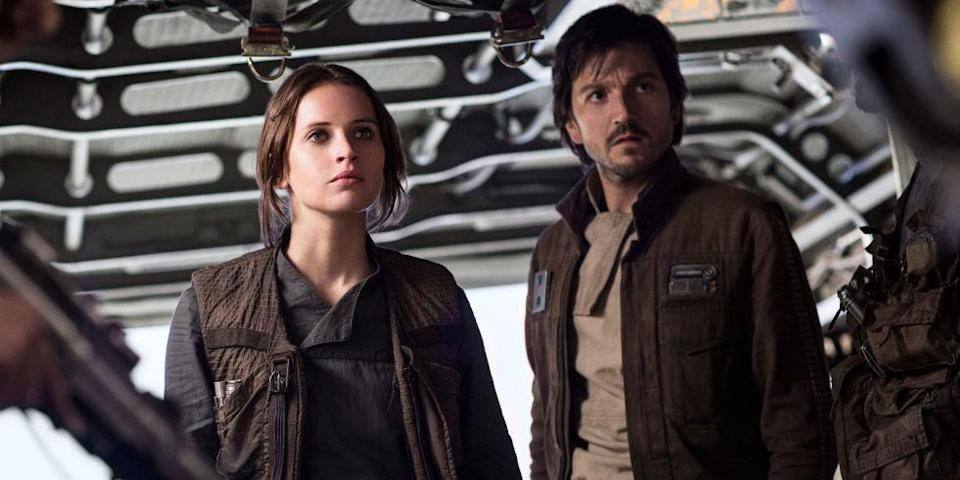 """It's time to talk about how the ending of """"Rogue One"""" was supposed to be *completely* different"""