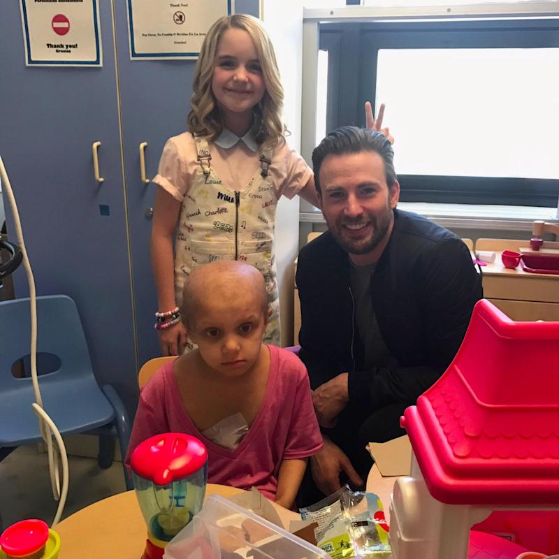 Chris Evans Proves He's a Real-Life Superhero by Visiting Sick Kids at a Hospital