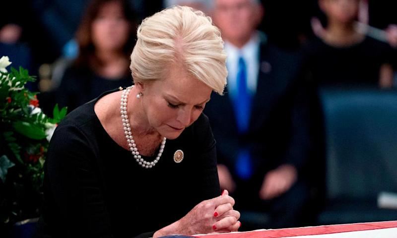 Cindy McCain could be a contender to fill her late husband's Senate seat.
