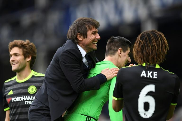 Chelsea, Tottenham continue fight for EPL title