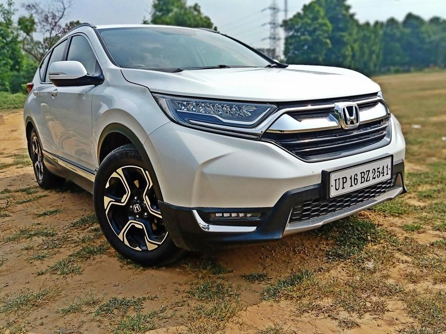 If you want to buy a petrol SUV, the CR-V is your best bet. It is Honda at its best as the 2.0 petrol is smooth plus the CVT gearbox nicely complements the engine.