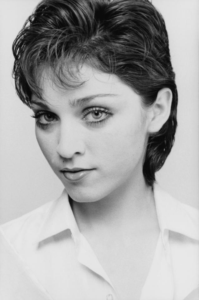 Before she rose to fame as a bottle blonde, Madonna rocked her natural brunette hair and natural makeup.