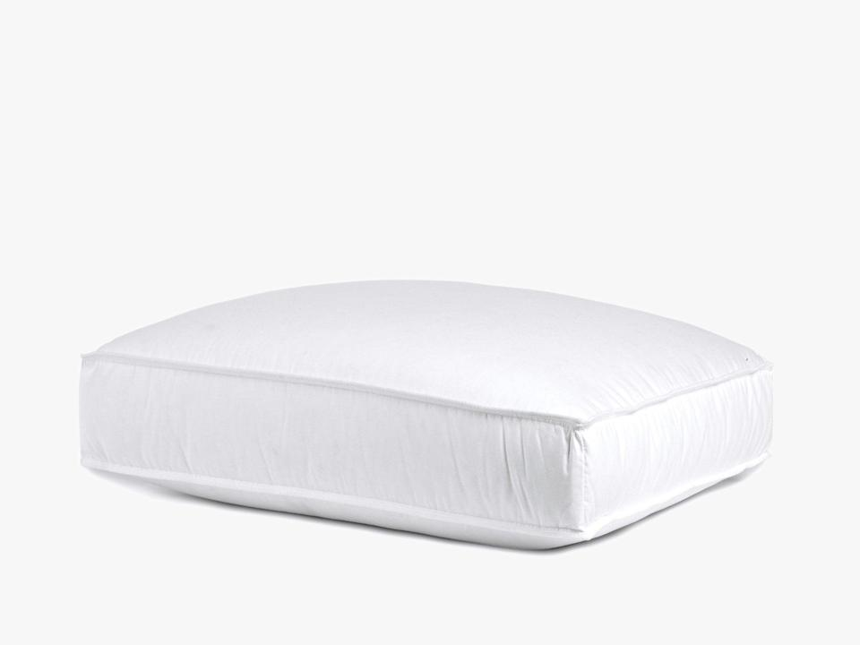 """<h2>Parachute Down Side Sleeper Pillow</h2><br><strong>The Hype: </strong>4 out of 5 stars and 191 reviews on <a href=""""https://www.parachutehome.com/products/side-sleeper-pillow-down"""" rel=""""nofollow noopener"""" target=""""_blank"""" data-ylk=""""slk:Parachute"""" class=""""link rapid-noclick-resp"""">Parachute</a><br><br><strong>Side Sleepers Say:</strong> """"Every night sinking into this pillow is the best feeling. It is like being in a hotel. This pillow has helped me sleep again. I am a side sleeper but this pillow feels good at any angle."""" — <em>Joanna F., Parachute reviewers</em><br><br><em>Shop <strong><a href=""""https://www.parachutehome.com/collections/pillows"""" rel=""""nofollow noopener"""" target=""""_blank"""" data-ylk=""""slk:Parachute"""" class=""""link rapid-noclick-resp"""">Parachute</a></strong></em><br><br><strong>Parachute</strong> Down Side Sleeper Pillow, $, available at <a href=""""https://go.skimresources.com/?id=30283X879131&url=https%3A%2F%2Fwww.parachutehome.com%2Fproducts%2Fside-sleeper-pillow-down"""" rel=""""nofollow noopener"""" target=""""_blank"""" data-ylk=""""slk:Parachute"""" class=""""link rapid-noclick-resp"""">Parachute</a>"""