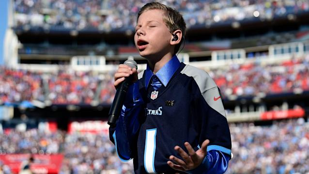 Mason Ramsey chalks off 'Star Spangled Banner' from list of debuts at Titans-Chargers game