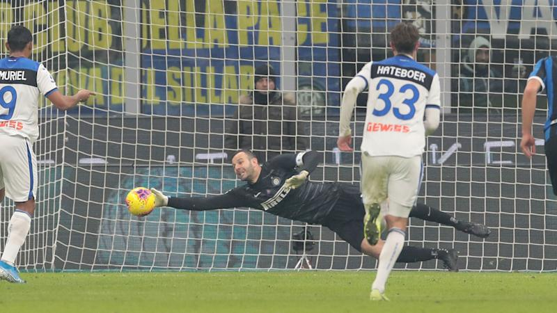 Inter 1-1 Atalanta: Handanovic penalty save preserves point as Conte's leaders struggle