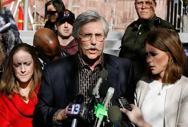 <p>Fred Goldman, center, father of Ron Goldman, who was murdered in 1994, speaks to reporters after O.J. Simpson's sentencing hearing outside the Clark County Regional Justice Center in Las Vegas, Friday, Dec. 5, 2008. With Goldman are Lauren Luebker, left, and Kim Goldman, Ron Goldman's sister. (Photo: Isaac Brekken, Pool/AP) </p>