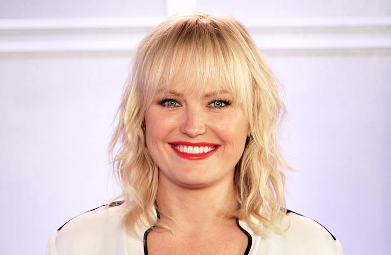 Malin Akerman stopped by Us Weekly's NYC offices to teach a few staffers how to speak Swedish, the actress' first language — watch the video