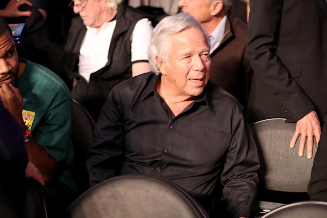 <p>NFL owner Robert Kraft attends the super welterweight boxing match between Floyd Mayweather Jr. and Conor McGregor on August 26, 2017 at T-Mobile Arena in Las Vegas, Nevada. (Photo by Christian Petersen/Getty Images) </p>