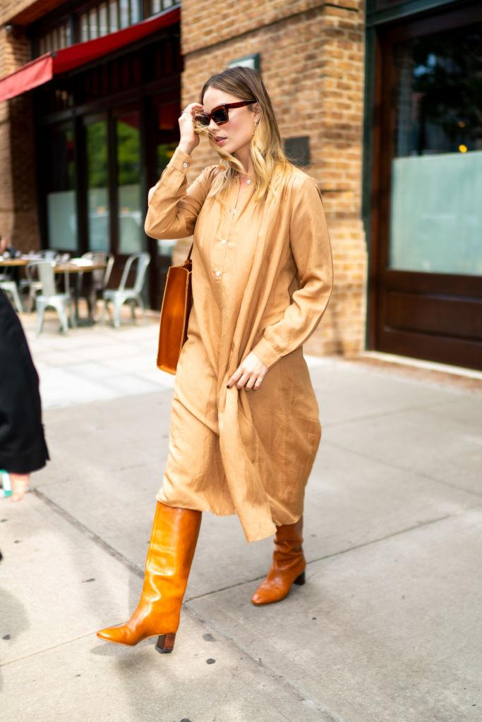 NEW YORK, NEW YORK - OCTOBER 07: Margot Robbie is seen in Tribeca on October 07, 2019 in New York City. (Photo by Gotham/GC Images)