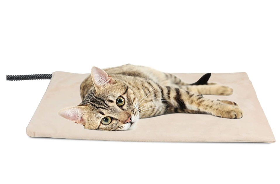 NICREW Pet Heating Pad. Image via Amazon.