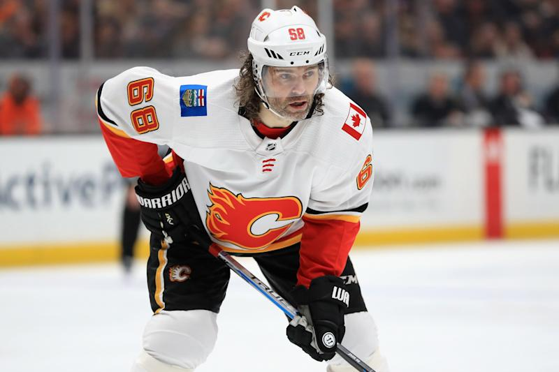ANAHEIM, CA - DECEMBER 29: Jaromir Jagr #68 of the Calgary Flames looks on during the second period of a game against the Anaheim Ducks at Honda Center on December 29, 2017 in Anaheim, California. (Photo by Sean M. Haffey/Getty Images)