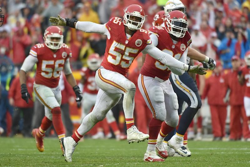 1e622392a03 Dee Ford of the Kansas City Chiefs celebrates a sack during the game against  the San