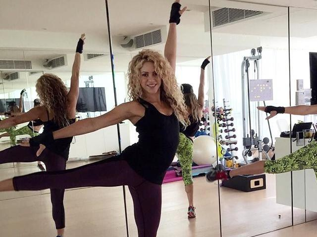 """<p>Shakira's personal trainer, Anna Kaiser, shared the eight <a href=""""https://www.womenshealthmag.com/uk/fitness/a702929/shakira-cross-training-workout/"""" rel=""""nofollow noopener"""" target=""""_blank"""" data-ylk=""""slk:cross-training moves"""" class=""""link rapid-noclick-resp"""">cross-training moves</a> that keep the star in shape. Her sculpting philosophy? A 360° approach to training. """"You need multiple types of <a href=""""https://www.womenshealthmag.com/uk/fitness/strength-training/a706692/how-to-build-muscle/"""" rel=""""nofollow noopener"""" target=""""_blank"""" data-ylk=""""slk:muscular contractions"""" class=""""link rapid-noclick-resp"""">muscular contractions</a> and angles, as well as tempos,"""" Kaiser says. """"If you do the same motions over and over, you're not going to get the full benefit."""" By doing the exercises in this workout, you'll target all the muscles in your midsection.</p>"""