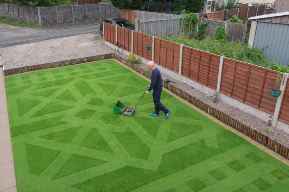 <em>Keith mowing his now prize-winning lawn (Michael Scott/Caters)</em>