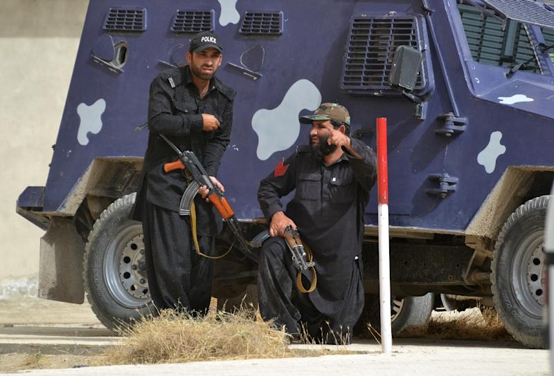 Pakistani paramilitary soldiers take position in Quetta, the capital of Baluchistan province, on June 15, 2013