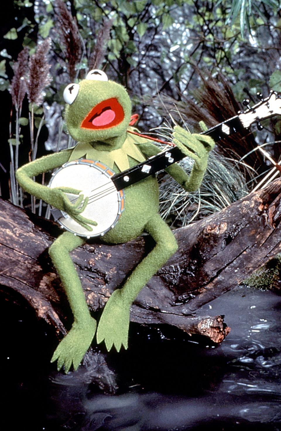 "Kermit sings ""The Rainbow Connection"" in 'The Muppet Movie' (1979) (Henson Associates courtesy of Everett Collection)"