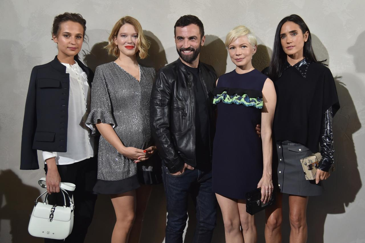 <p>Nicolas Ghesquière, Louis Vuitton's creative director (pictured here), ensured his FROW was one star-studded affair. In addition to model Karlie Kloss, actresses Alicia Vikander, Lea Seydoux, Michelle Williams and Jennifer Connelly all showed up at the Parisian show.<i> [Photo: Getty]</i><br /></p>