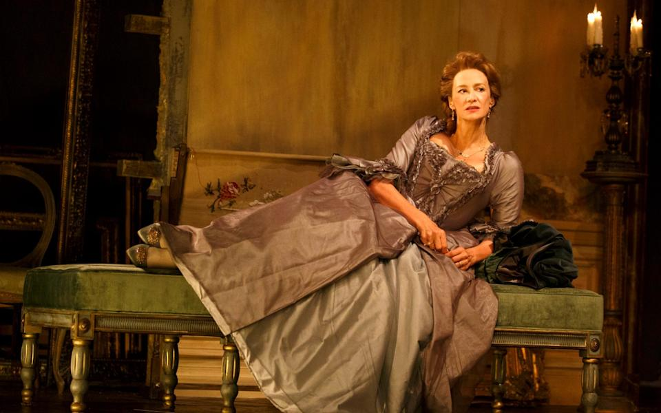 Janet McTeer appears as the Marquise de Merteuil in a Broadway production of Les Liaisons dangereuses - Boneau/Bryan-Brown
