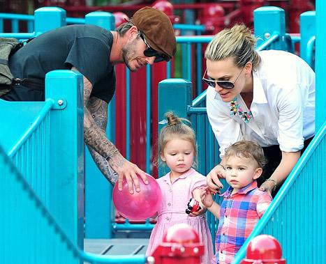 "Molly Sims ""Didn't Realize"" Son Brooks Was Playing With David Beckham's Daughter Harper in NYC"