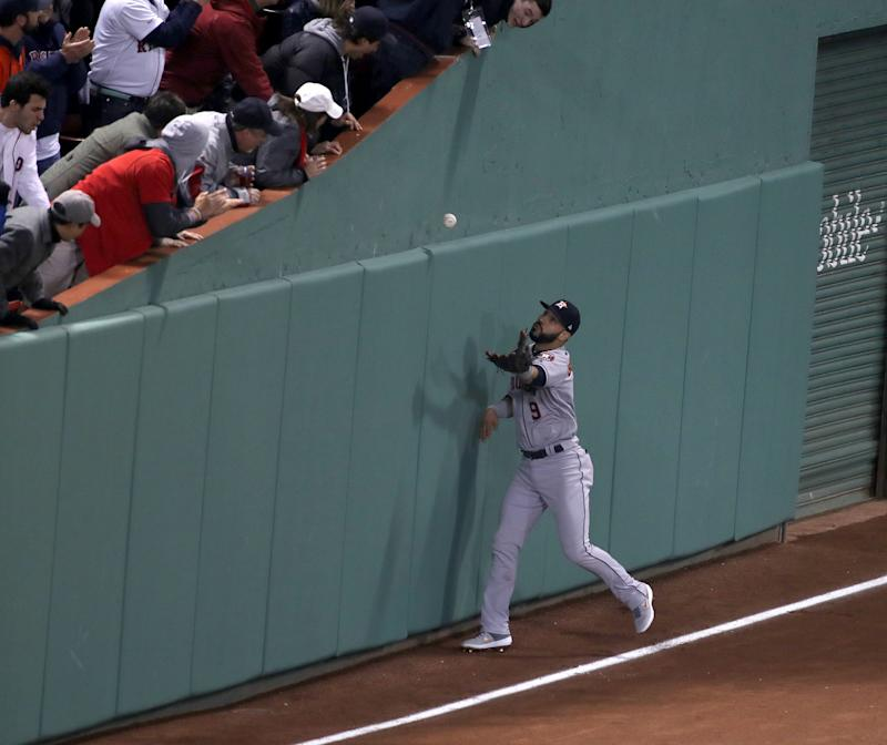 ALCS Game 2: Jackie Bradley Jr 's crazy double gives Red Sox