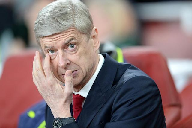 Arsene Wenger needs to show decisiveness, share power and keep hold of Alexis Sanchez says ex-Arsenal striker