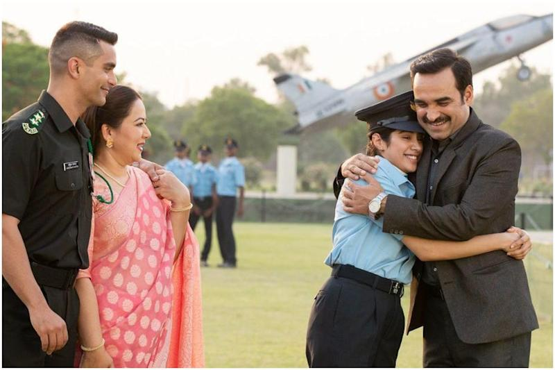 Gunjan Saxena Movie Review: Janhvi Kapoor and Pankaj Tripathi Create Engrossing Drama