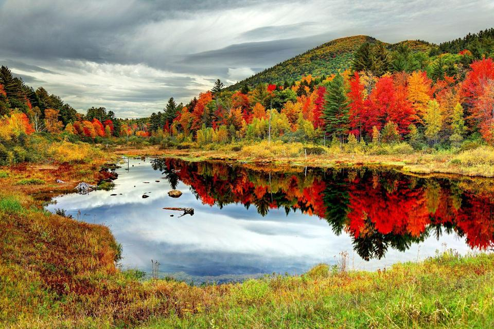"""<p>Fall colors look lovely on <a href=""""https://fave.co/2Q9fPmw"""" rel=""""nofollow noopener"""" target=""""_blank"""" data-ylk=""""slk:New Hampshire"""" class=""""link rapid-noclick-resp"""">New Hampshire</a>. </p>"""