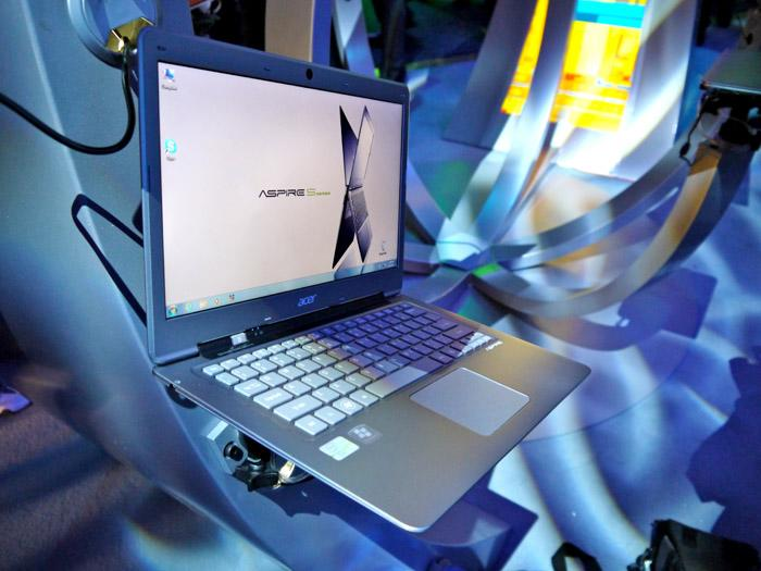 At a half-inch thick and under three pounds, the Acer Aspire S turns on instantly and runs cool. (Scott Ard/Yahoo! News)