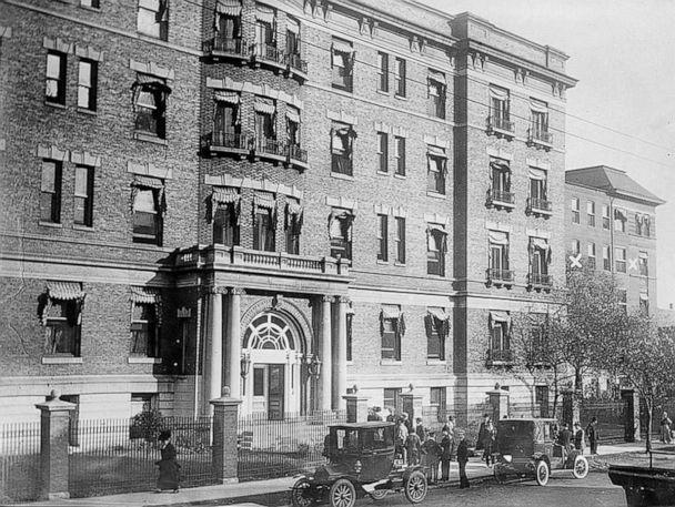 PHOTO: Teddy Roosevelt stayed at Mercy Hospital in Chicago, after being shot in an assassination attempt on Oct. 14, 1912. (Library of Congress)