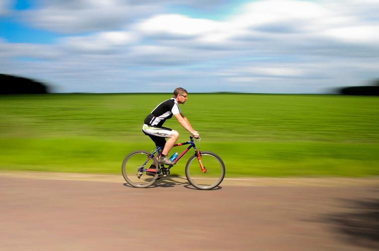 """<span class=""""caption"""">The traditional British cyclist.</span> <span class=""""attribution""""><span class=""""source"""">Pexels.</span></span>"""