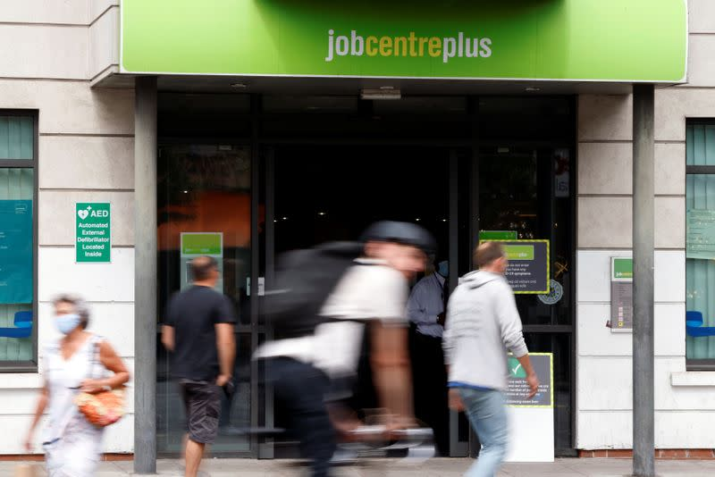 UK job losses hit decade-high, worse seen ahead